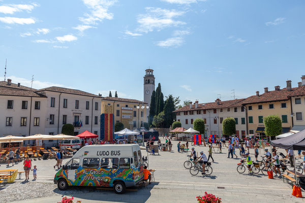 21.07. Friaul: Coltello in Festa, Maniago
