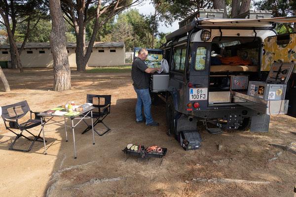 30.05. Camping de la Plage in Algajola. Heute wird gegrillt.
