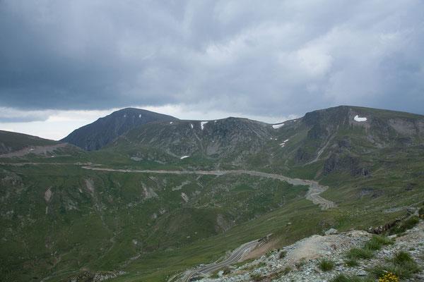 13.06. Transalpina: der höchste Punkt der Strecke ist bei 2145 m am Pasul Urdele erreicht