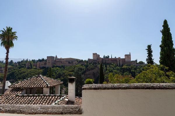 Granada, Albaicín: Blick auf die Alhambra