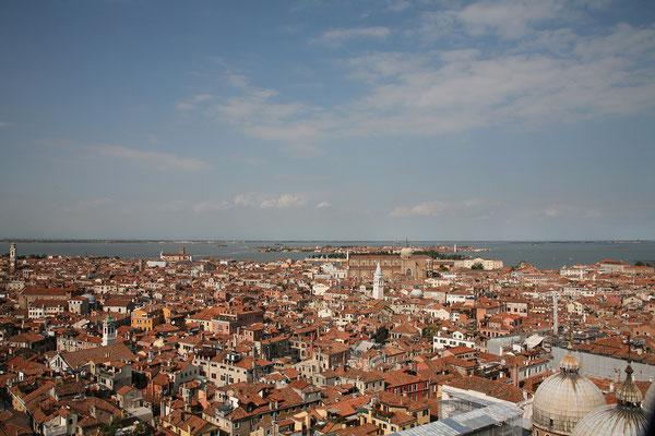13.09. Die Aussicht auf Venedig ist großartig.
