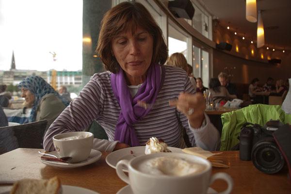 22.07. Kaffee & Kuchen im Alsterpavillon
