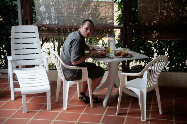 Casa Bonito: die schattige Terrasse ist ideal für ein gemütliches Frühstück, eine Jause zwischendurch oder ein kühles Getränk.