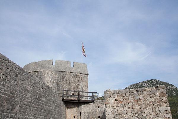 4.9. Bereits 1336 begann man mit dem Bau der 5,5 km langen Mauer von Ston.