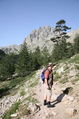 25.5. Restonica Tal: von der Bergerie de Grotelle am Schluchtende wandern wir in Richtung Melosee