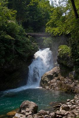 Vintgar Klamm - Die 1600 m lange Klamm endet am Wasserfall Šum.