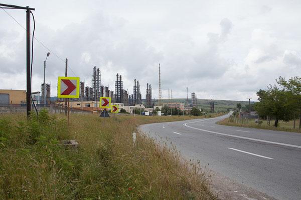 13.6. Mit einer Jahreskapazität von 380 Tonnen war das Werk der größte europäische Produzent/Exporteur von Schwerem Wasser. Im Jänner 2016 wurde die Fabrik mit 200 Mio. Euro Schulden geschlossen. Auf weitere Entwicklungen darf man gespannt sein...