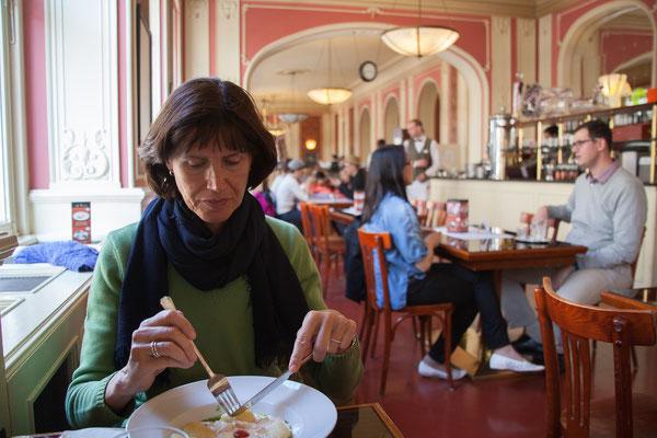 05.05. Café Louvre
