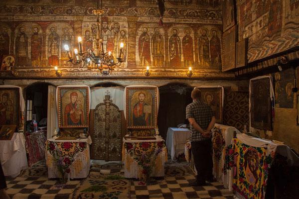 18.6. Deseşti - Besonders eindrucksvoll sind die Innenfresken von 1780 in der alten Holzkirche.