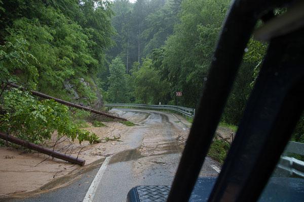 13.6. Der starke Regen der Nacht hat Spuren hinterlassen.