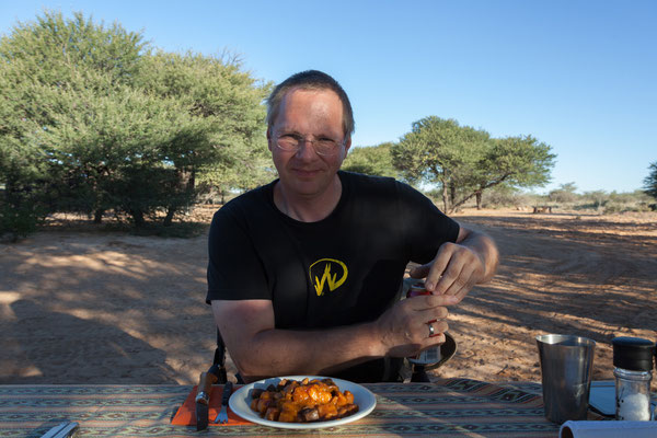 16.05. Kalahari Bush Breaks - es schmeckt ausgezeichnet