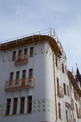 11.6. Oradea: Piaţa Unirii - Oradea weist die größte Konzentration an Gebäuden, die Ende des XIX. Jahrhunderts im ungarischen Jugendstil erbaut worden sind, auf.