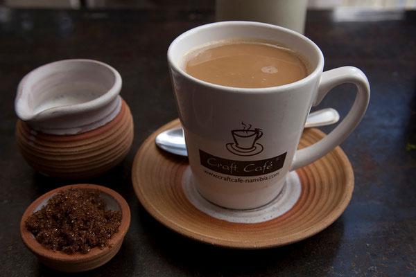 29.2. Im Craft Center in Windhoek kaufen wir ein und stärken uns im Café