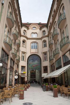 11.6. Oradea: Palais Schwarzer Adler/Palatul Vulturul Negru