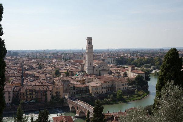 23.09. Verona - Vom Castel San Pietro bietet sich ein hervorragender Blick auf die Altstadt