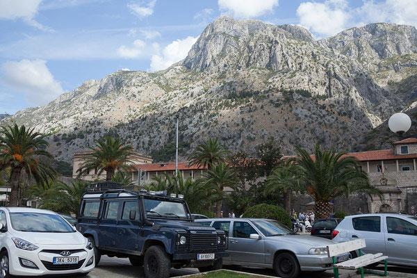 18.9. Wir parken am Hafen, direkt vor den Toren der Altstadt von Kotor.