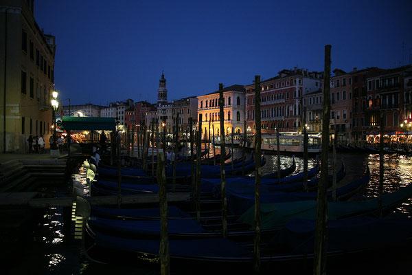12.09. Ein schöner erster Tag geht am Canal Grande zu Ende.