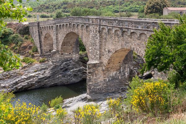 27.5. Weiterfahrt Richtung Aléria: wir halten an der Pont Génois