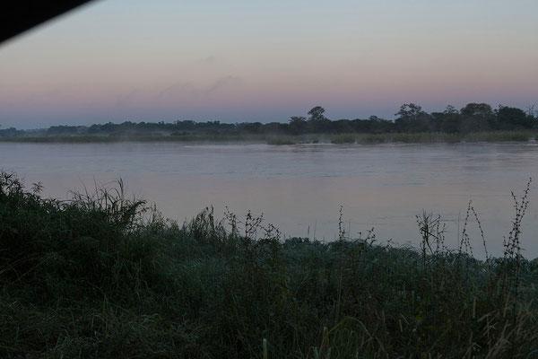 26.4. Nunda River Lodge; traumhafte Morgenstimmung aus dem Dachzelt.
