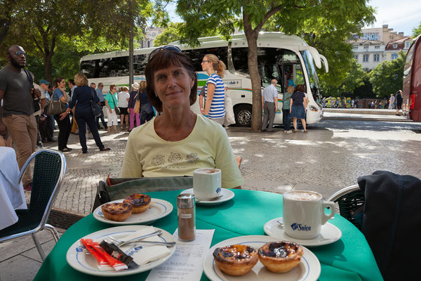 14.09. Praça Dom Pedro V / Rossio: Pastéis de Nata in der Pastelaria Suiça