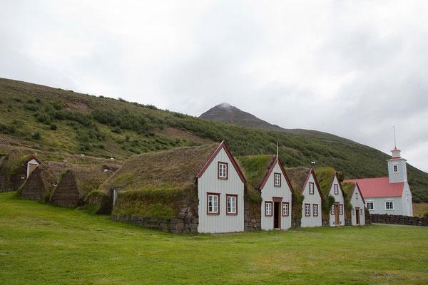 5.8. Der Bauernhof Laufás aud der Zeit um 1850 gewährt heute als Museum Einblicke in die Lebensverhältnisse der damaligen Zeit.