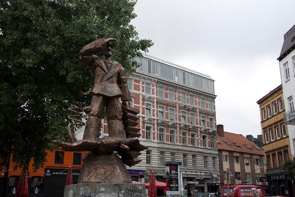25.07. St. Pauli: Hans Albers Platz