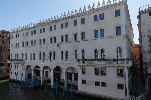01.07. Ponte di Rialto: Blick auf die Fondaco dei Tedeschi