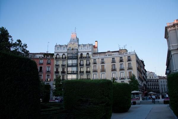 """25.09. Es folgen ein Bummel durch die Shoppingmeile """"Calle de Serrano"""" und später Kaffee & Kuchen."""