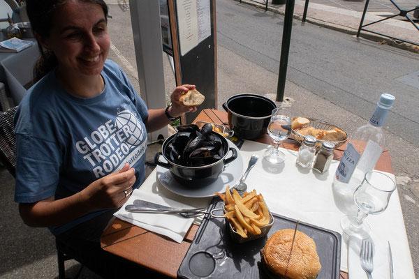 06.06. Im La Barcarolle im alten Hafen essen wir ausgezeichnet.