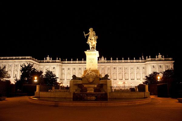 26.09. Königspalast