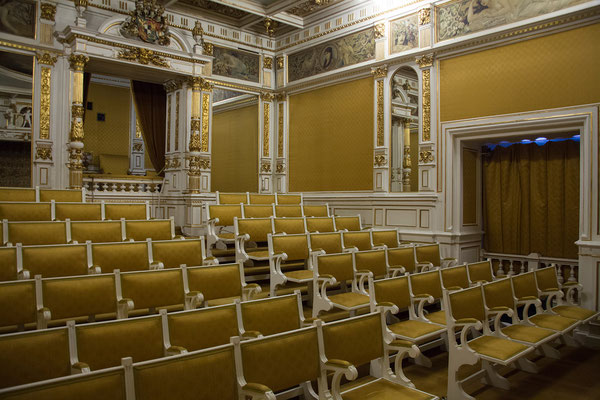 09.06. Schloß Peleș: Hier fand die erste Kinovorstellung Rumäniens statt. Den Kinosaal schmückte der 22-jährige Gustav Klimt.