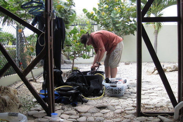 Casa Bonito - Der Gerätewart bei der Arbeit