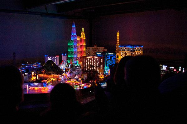 24.07. Miniaturwunderland: Las Vegas (für die Beleuchtung mussten 5 Personen 1 Jahr lang löten)