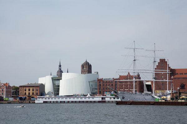 24.7. Stralsund - Heute besichtigen wir das Ozeaneum.