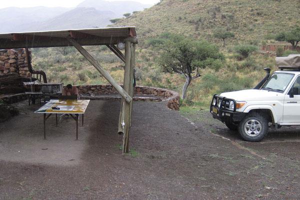 17.2. Gegen 14:30 Uhr sind wir wieder zurück auf unserer Campsite. Wir dürfen sogar etwas Regen erleben.