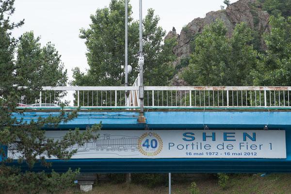 13.6. Nach Fertigstellung des Staudammes entstand ein See von 120 km Länge mitten in der Donau.