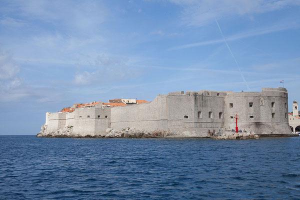 21.09. Wir kommen nach etwa 30 Minuten im Alten Hafen Dubrovniks an.