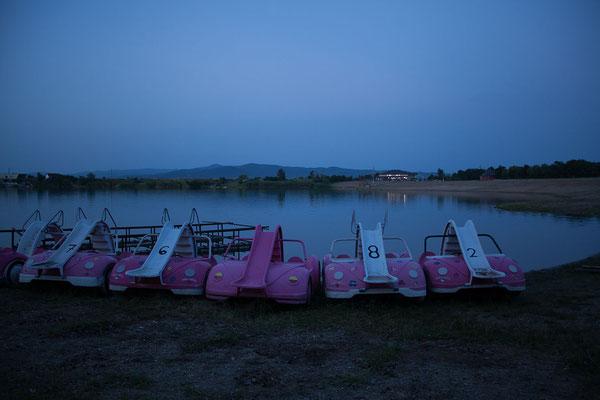 18.6. Lacul Apa - Abendspaziergang entlang des Sees.