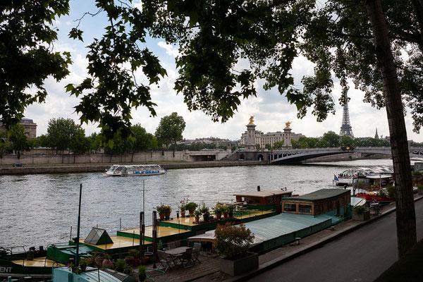 12.06. Wir spazieren entlang der Seine zum Pont Alexandre III.