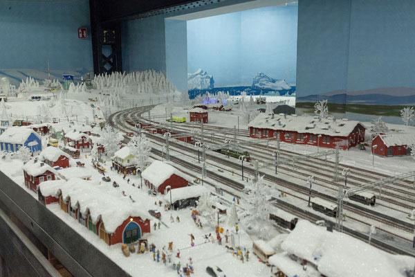 21.06. Miniaturwunderland: Nahe der Mine Kiruna beginnt das Permafrostgebiet.