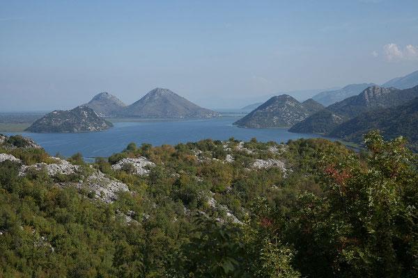 15.9. Unterwegs nach Virpazar, Blick auf den Skadarsko Jezero