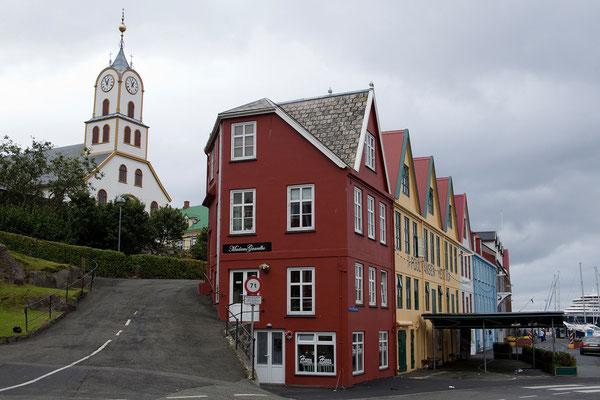 30.7. Färöer Inseln - Streymoy - Tórshavn (Havnar Kirkja & Hafen)
