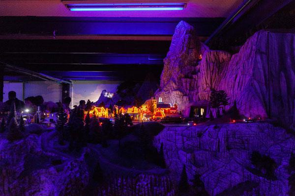 21.06. Miniaturwunderland: Weihnachtsdorf in den Rocky Mountains