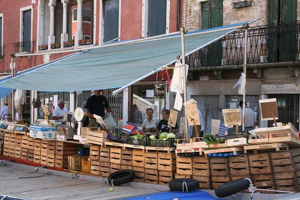 14.09. Gemüseboot am Rio di Sant' Ana