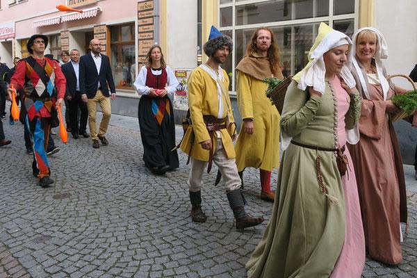 Umzug zum Auftakt des Mittelalterfestes