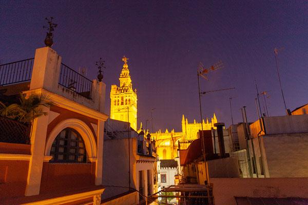 Hotel Alminar: Blick auf die Kathedrale