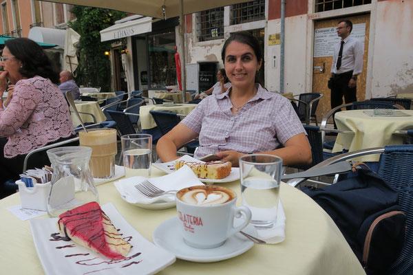 30.06.  Kaffeepause am Campo Santo Stefano