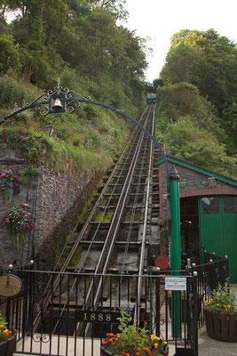 05.09. Mit der Cliff Railway gelangen wir von Lynmouth nach Lynton und retour.