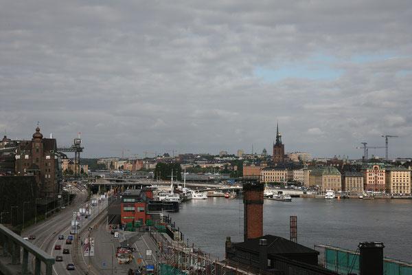 Per Anders Fogelströms Terrass, Aussicht auf den Aufzug Katarinahissen