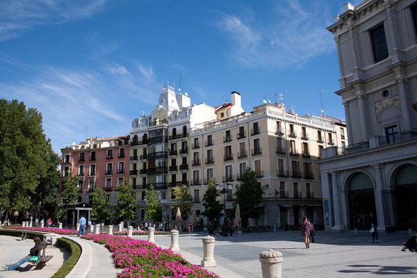 24.09. Wir kommen zur Plaza de Oriente vor dem Königspalast.